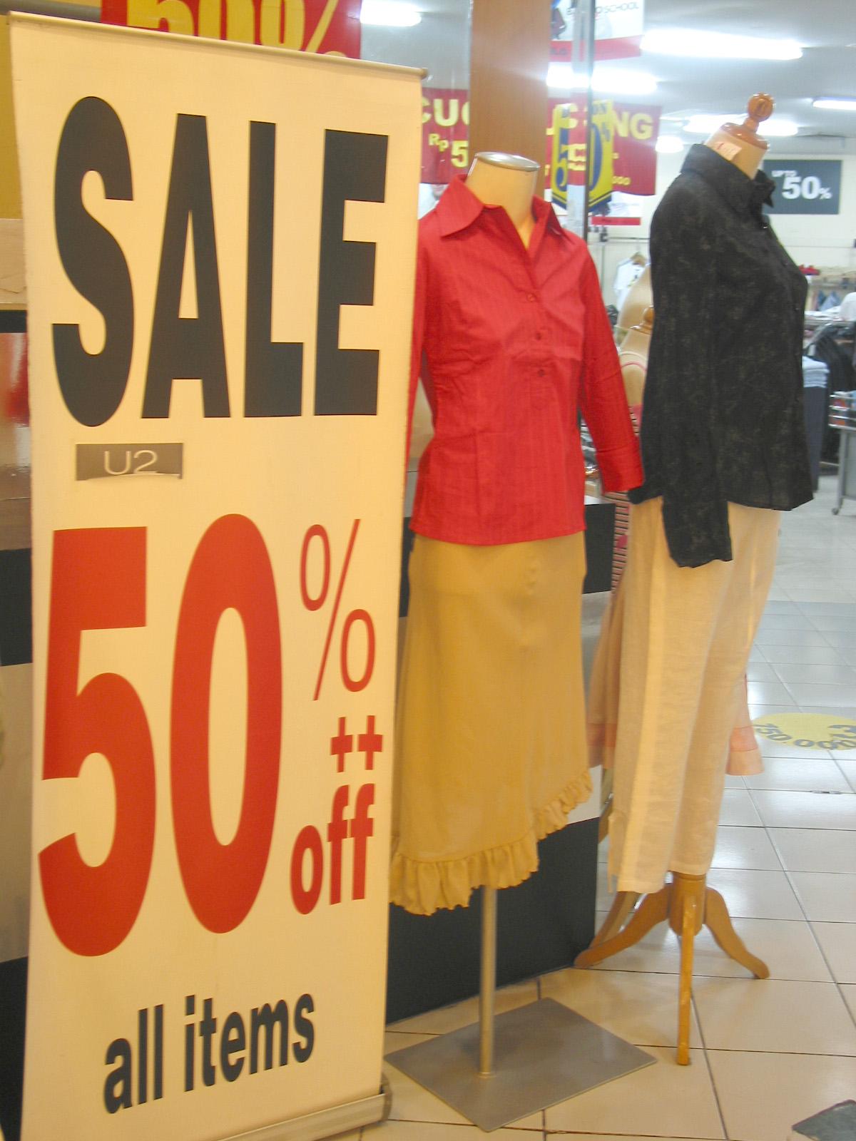 sales, promotion, 50% discount, diskaun yang menggoda,
