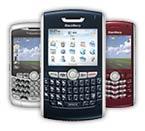 Si BlackBerry andalan Sandra Dewi dan Luna Maya.