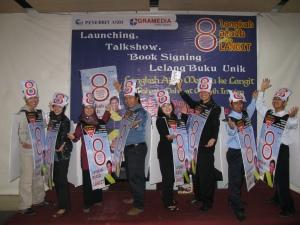 Maskot Delapan menjadi pendukung utama acara.