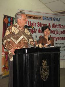 Paul E. Dennison, Ph.D., Pencipta Brain Gym dari Amerika.