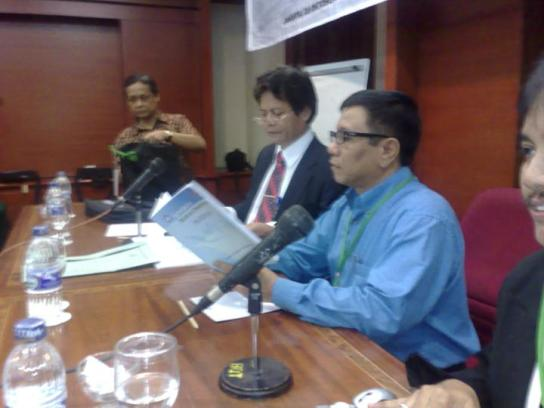 Roy Suryo, Hendry Ch. Bangun, Yanusa Nugaraha, Ahmadun Y. Herfanda