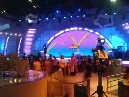 Studio RCTI meriah sebagai ajang pentas Idola Cilik jempolan.