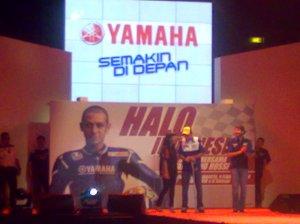 Penghargaan atas prestasi Valentino Rossi oleh Yamaha