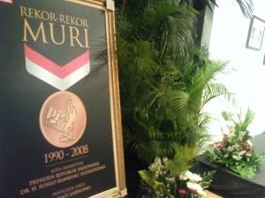 Penghargaan tertinggi model Indonesia dari Museum Rekor Indonesia