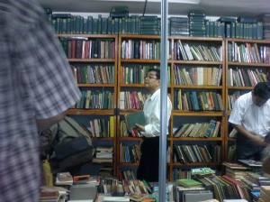 Larang-melarang buku mengganggu hak pembaca.